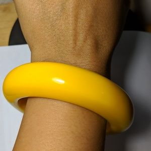 Jewelry - 1950s Vintage Wide Yellow Lucite Bangle Bracelet